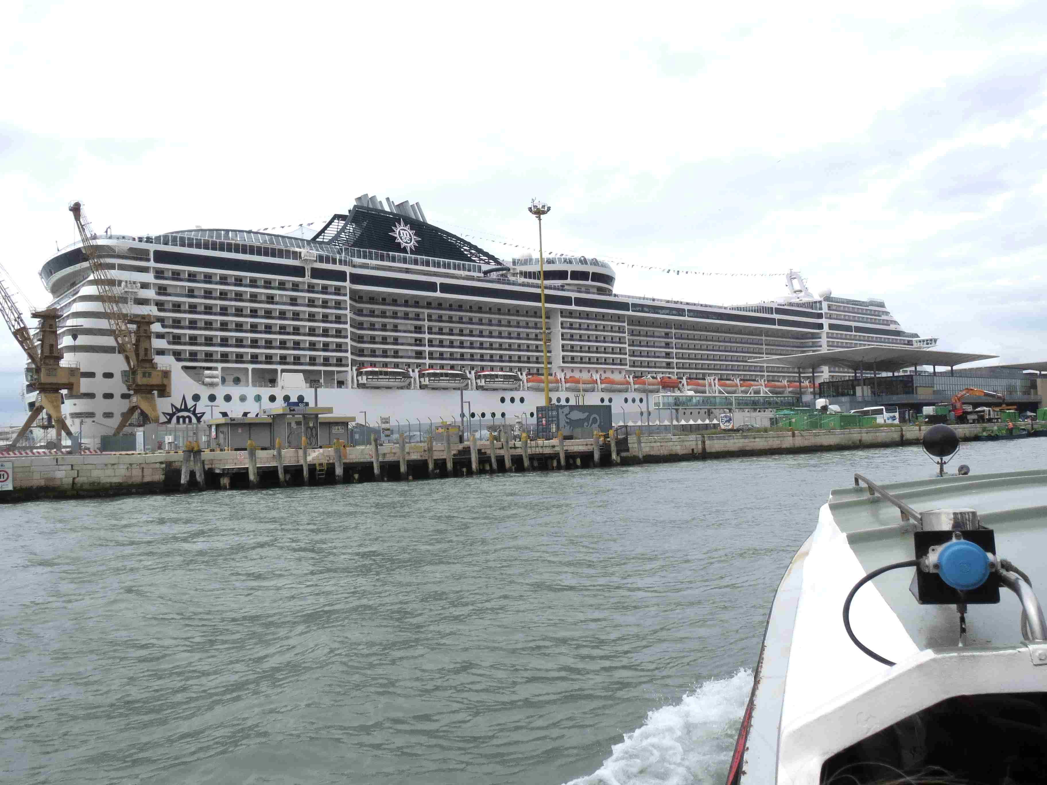 Croisi re en m dit rann e escale katakolon olympie creative terre - Hotel venise port croisiere ...